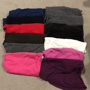 Lot of Old Navy layering tanks XL